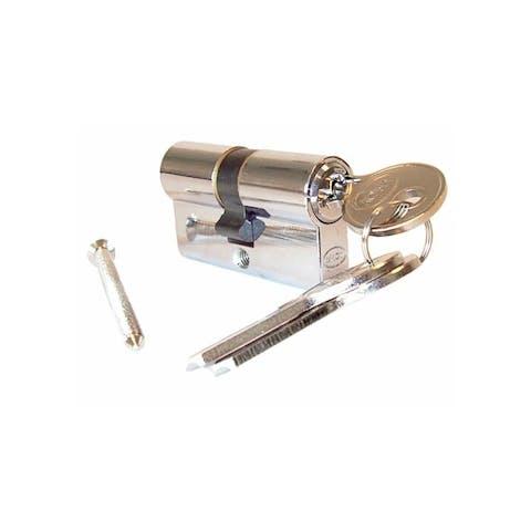 cilinders met sleutels